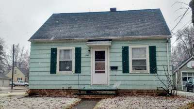 Appleton Single Family Home Active-No Offer: 1042 W Kamps
