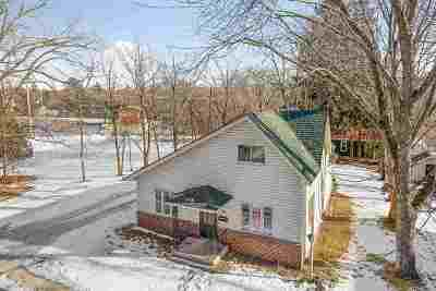 Waupaca Single Family Home Active-No Offer: 516 N Franklin