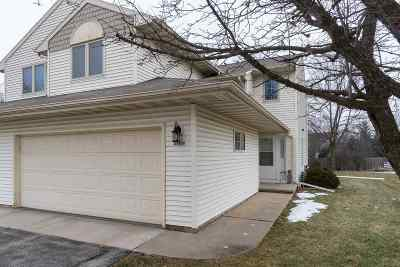 Oshkosh Condo/Townhouse Active-No Offer: 2560 Village