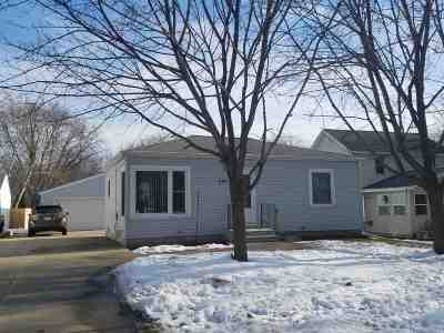 Menasha Single Family Home Active-Offer No Bump: 370 Winnebago