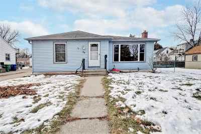 Green Bay Single Family Home Active-No Offer: 907 Roscoe