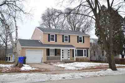 Kaukauna WI Single Family Home Active-No Offer: $124,900