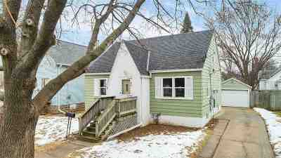 Green Bay Single Family Home Active-No Offer: 903 S Greenwood