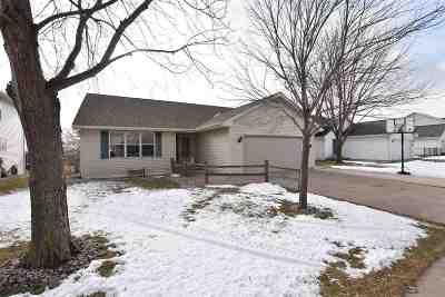 Oshkosh Single Family Home Active-No Offer: 3226 Bellfield