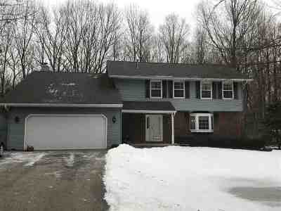 Shawano Single Family Home Active-No Offer: N5788 Riverside