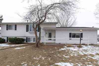 Oshkosh Single Family Home Active-No Offer: 1710 Orchard