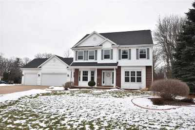 Oshkosh Single Family Home Active-No Offer: 2809 Pine Ridge