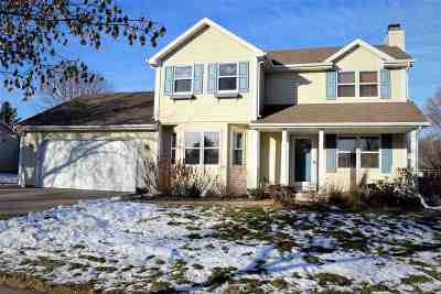 De Pere Single Family Home Active-No Offer: 1737 Sunnyside