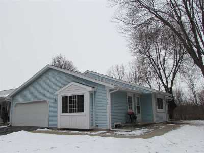 Appleton WI Condo/Townhouse Active-No Offer: $164,900