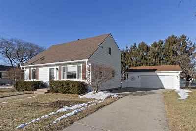 Oshkosh Single Family Home Active-No Offer: 1336 W 5th