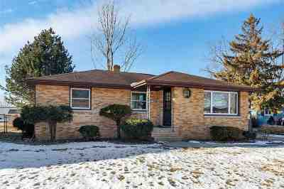 Green Bay Single Family Home Active-No Offer: 1680 Debra
