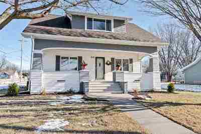 Little Chute Single Family Home Active-Offer No Bump: 818 Depot