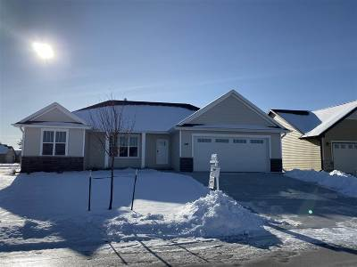 Green Bay Single Family Home Active-No Offer: 3188 Enchanted