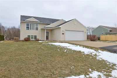 Neenah Single Family Home Active-Offer No Bump: 1358 Harvest Moon