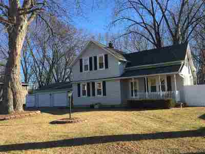 Green Bay Single Family Home Active-No Offer: 1214 Cardinal