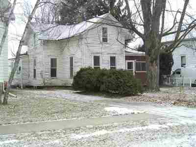 Oshkosh Single Family Home Active-No Offer: 250 W 15th