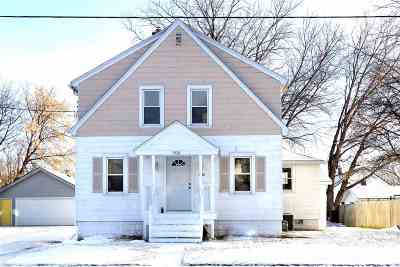 Appleton Single Family Home Active-No Offer: 1430 N Graceland