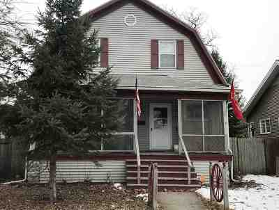 Green Bay Single Family Home Active-No Offer: 208 S Maple
