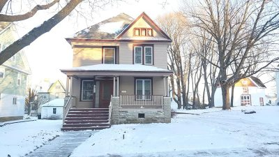 Single Family Home Active-No Offer: 711 Watson