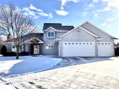 Menasha Single Family Home Active-No Offer: 2415 Red Fescue