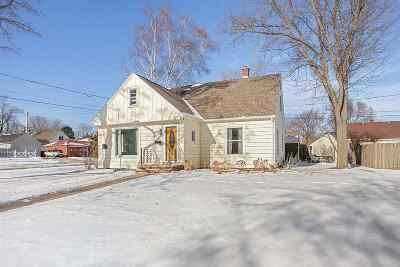 Appleton Single Family Home Active-No Offer: 200 E Marquette