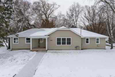 Kaukauna Single Family Home Active-Offer No Bump: 1800 Peters