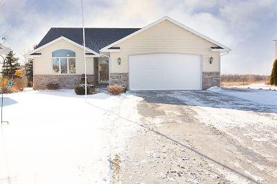 Menasha Single Family Home Active-Offer No Bump: 2311 Bittersweet