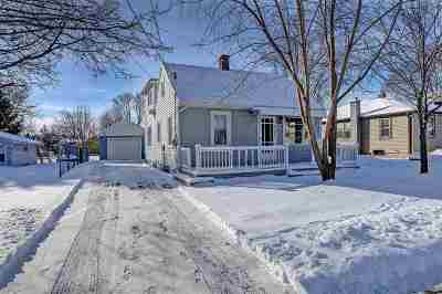 Menasha Single Family Home Active-Offer No Bump-Show: 821 7th