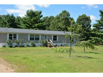 Waupaca Single Family Home Active-No Offer: N1955 Hwy E