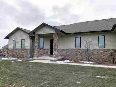 Oshkosh Single Family Home Active-Offer No Bump: 1374 Rasmussen
