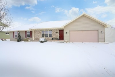 Kaukauna Single Family Home Active-Offer No Bump: 2329 Olde Country