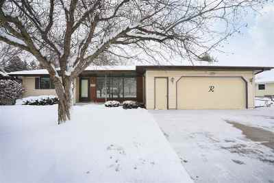 Kaukauna Single Family Home Active-Offer No Bump: 573 Wildwood