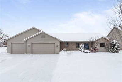 Kaukauna Single Family Home Active-Offer No Bump: 2150 Walton