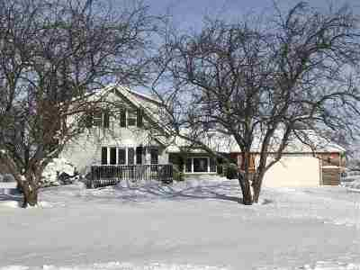 Green Bay Farm Active-No Offer: 2985 S Hwy T