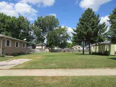 Oshkosh Residential Lots & Land Active-No Offer: W Linwood