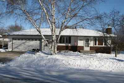 Kaukauna Single Family Home Active-Offer No Bump: 920 Michigan