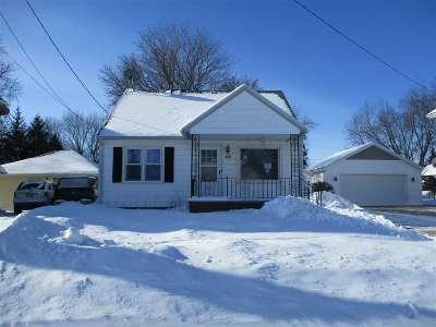 Kaukauna Single Family Home Active-Offer No Bump: 129 E Tobacnoir