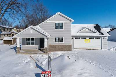 Little Chute WI Single Family Home Active-No Offer: $249,900