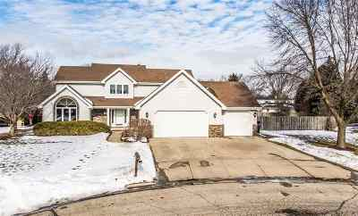 Neenah Single Family Home Active-No Offer: 482 Hawthorne