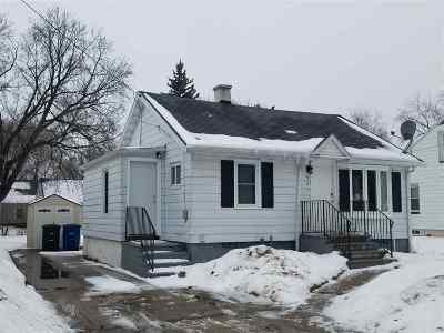 Green Bay Single Family Home Active-No Offer: 527 Morris