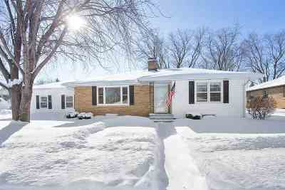 Kaukauna Single Family Home Active-Offer No Bump: 415 E 16th