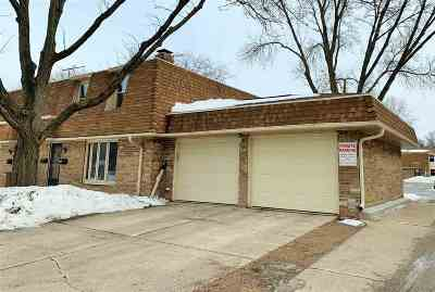 Green Bay Condo/Townhouse Active-No Offer: 201 Huth #A