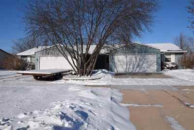 De Pere Multi Family Home Active-Offer No Bump: 1138 Scheuring