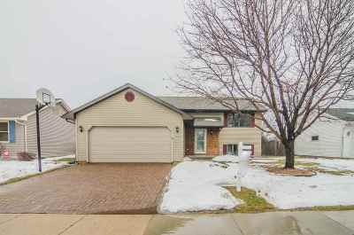 Oshkosh Single Family Home Active-Offer No Bump: 1292 Wheatfield