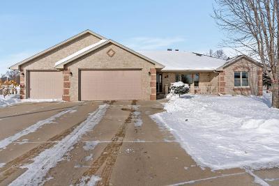 De Pere Single Family Home Active-Offer No Bump: 1385 Weatherstone