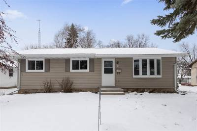 Oshkosh Single Family Home Active-Offer No Bump-Show: 252 N Meadow