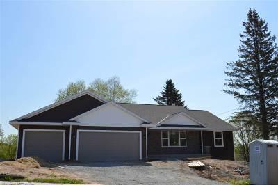 De Pere Single Family Home Active-No Offer: 2222 Creeksedge