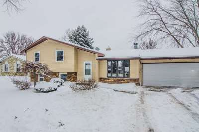 Green Bay Single Family Home Active-Offer No Bump: 2540 Van Beek