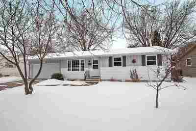 De Pere Single Family Home Active-Offer No Bump: 938 Lee