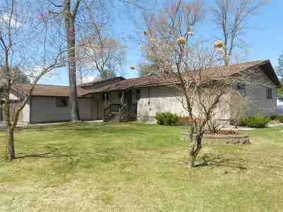 Bonduel Single Family Home Active-Offer No Bump: 4920 W Resort